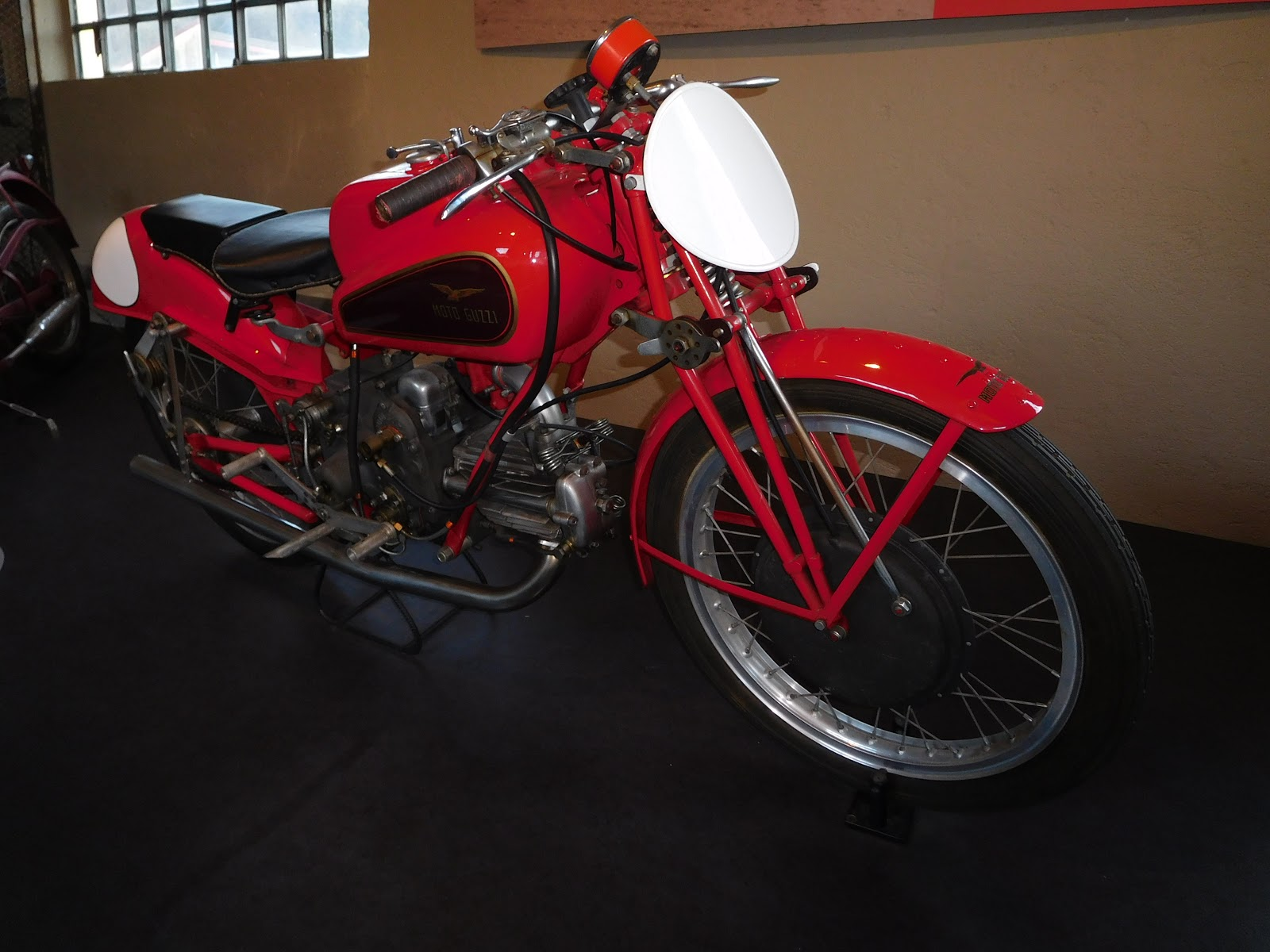 NYDucati:  1946-51 Moto Guzzi Dondolino 2