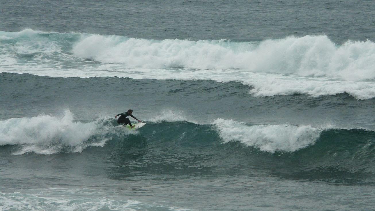surfista en la ola 01
