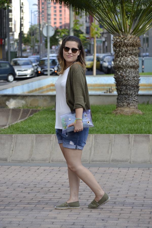 Camiseta Zara (nueva) Cardigan Mango Shorts Zara Clutch Lemons