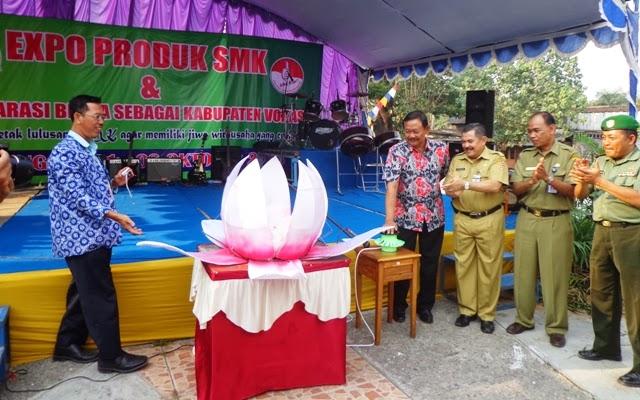 di Lapangan Tuk Buntung Cepu sore tadi (1/10). [ foto : rs-infoblora