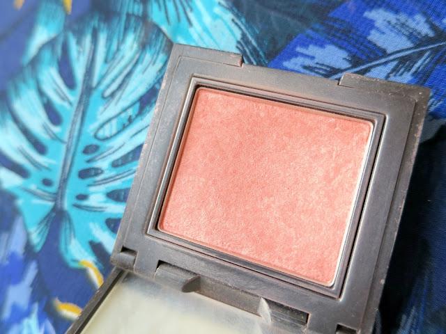 Holiday Beauty Makeup Favourites Laura Mercier Second Skin Cheek Colour Lush Nectarine Blush Shimmer Peach Coral