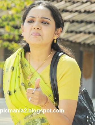 Samvritha Sunil sexy wet saree image gallery
