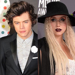Ke$ha and One Direction star Harry Styles have been texting each other