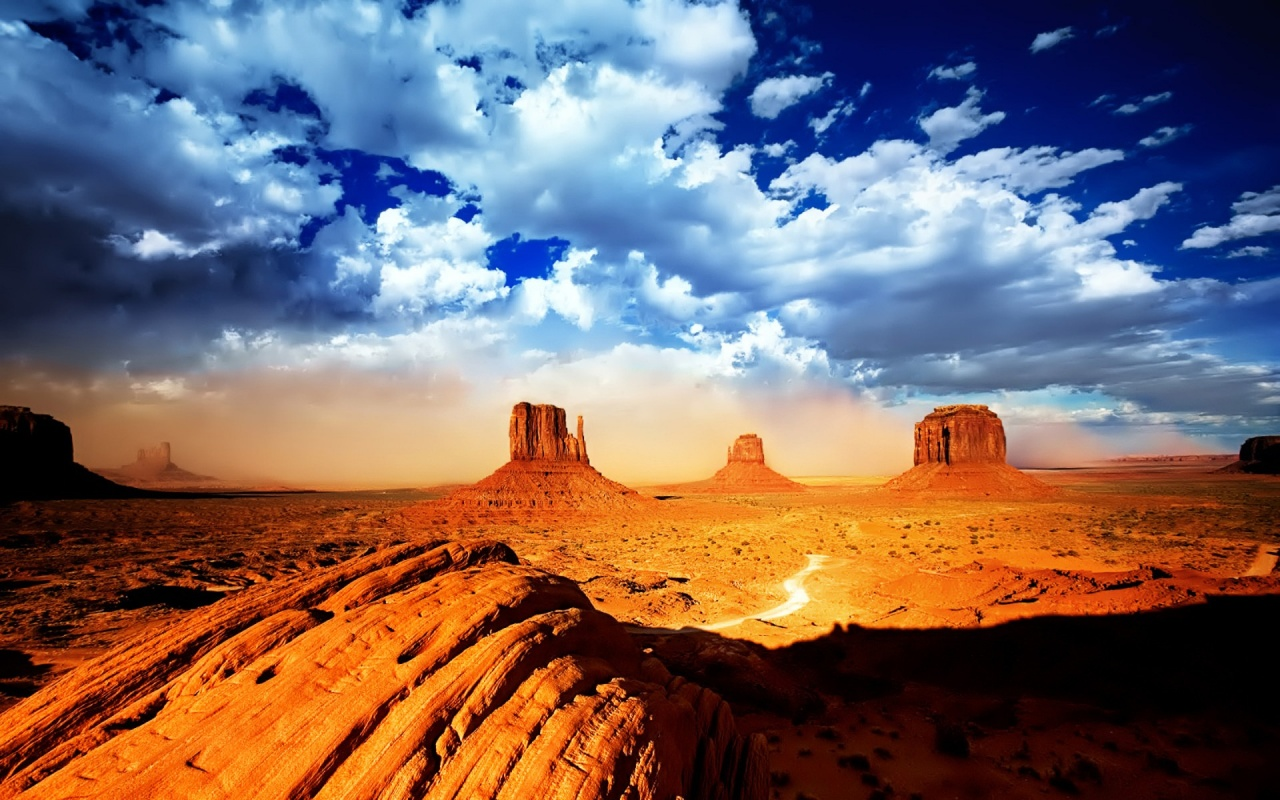http://1.bp.blogspot.com/-koWi0kpPd_k/TntIDb0RFnI/AAAAAAAAAcc/UHbe4GBZUHY/s1600/desert-wallpaper.jpg