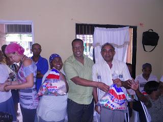 Fundación Leonardo Díaz y Plan Social de la Presidencia distribuyen alimentos