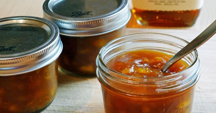 Cooking Weekends: Peach Jam with Sucanat and Bourbon