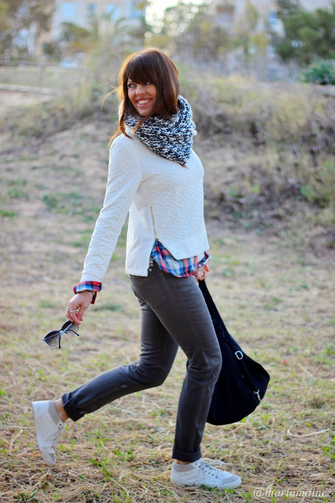 Sudadera - Streetstyle - Outfit invierno 2015 - bbeautifulbymaria- sporty - sneakers - white