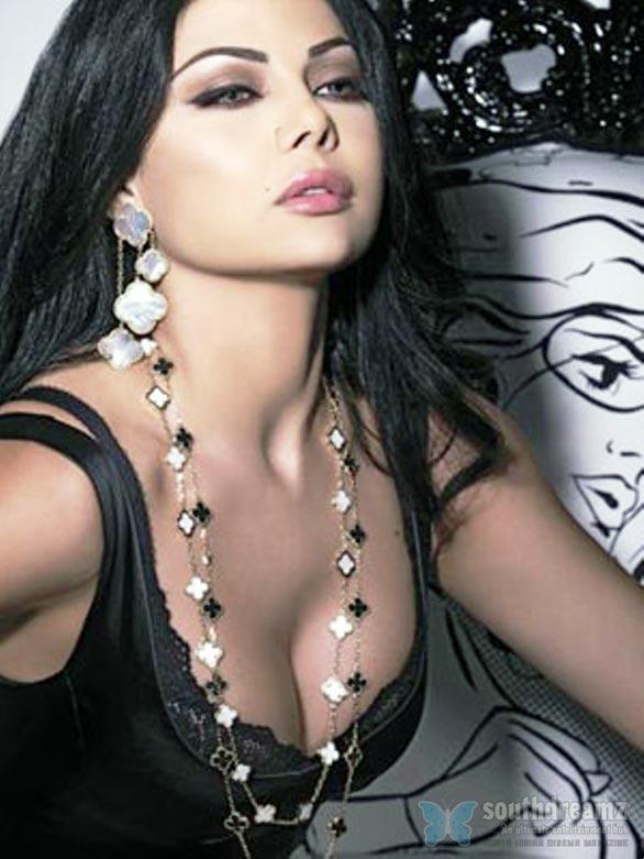http://1.bp.blogspot.com/-kpTeiERoVHw/TlkBdrr6j8I/AAAAAAAAAiI/57efTfq3oWI/s1600/Haifa-Wehbe-2.jpg