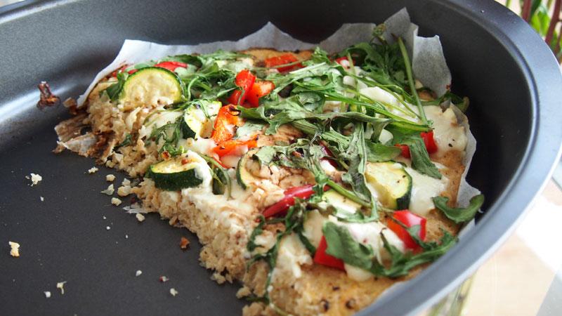 Gluteeniton pizzapohja kukkakaalista