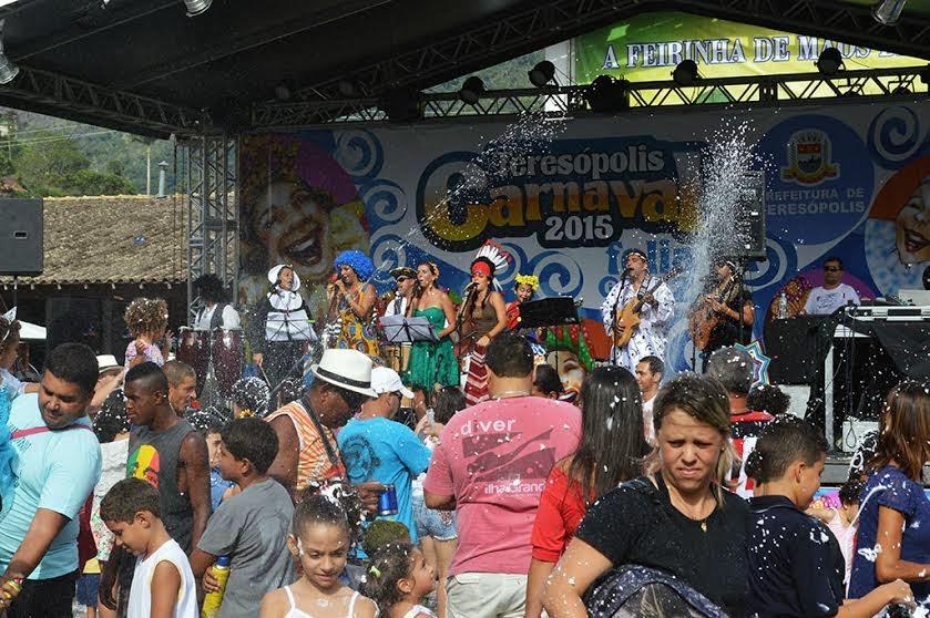 Encantos e Batuques conquistou o público com marchinhas antigas, a congada de Minas Gerais e canções autorais