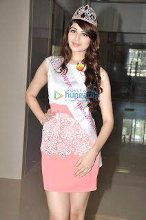 Miss India at Mithibai Alumni Association's re-union