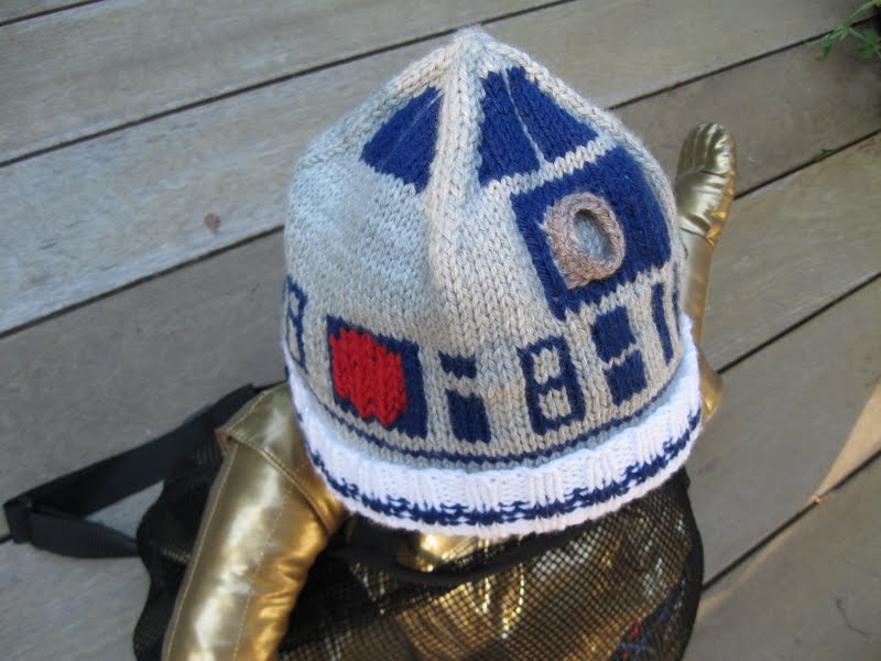 Knitting Pattern For R2d2 Hat : You *can* knit with a lightsaber!: Presenting: The R2-D2 Hat