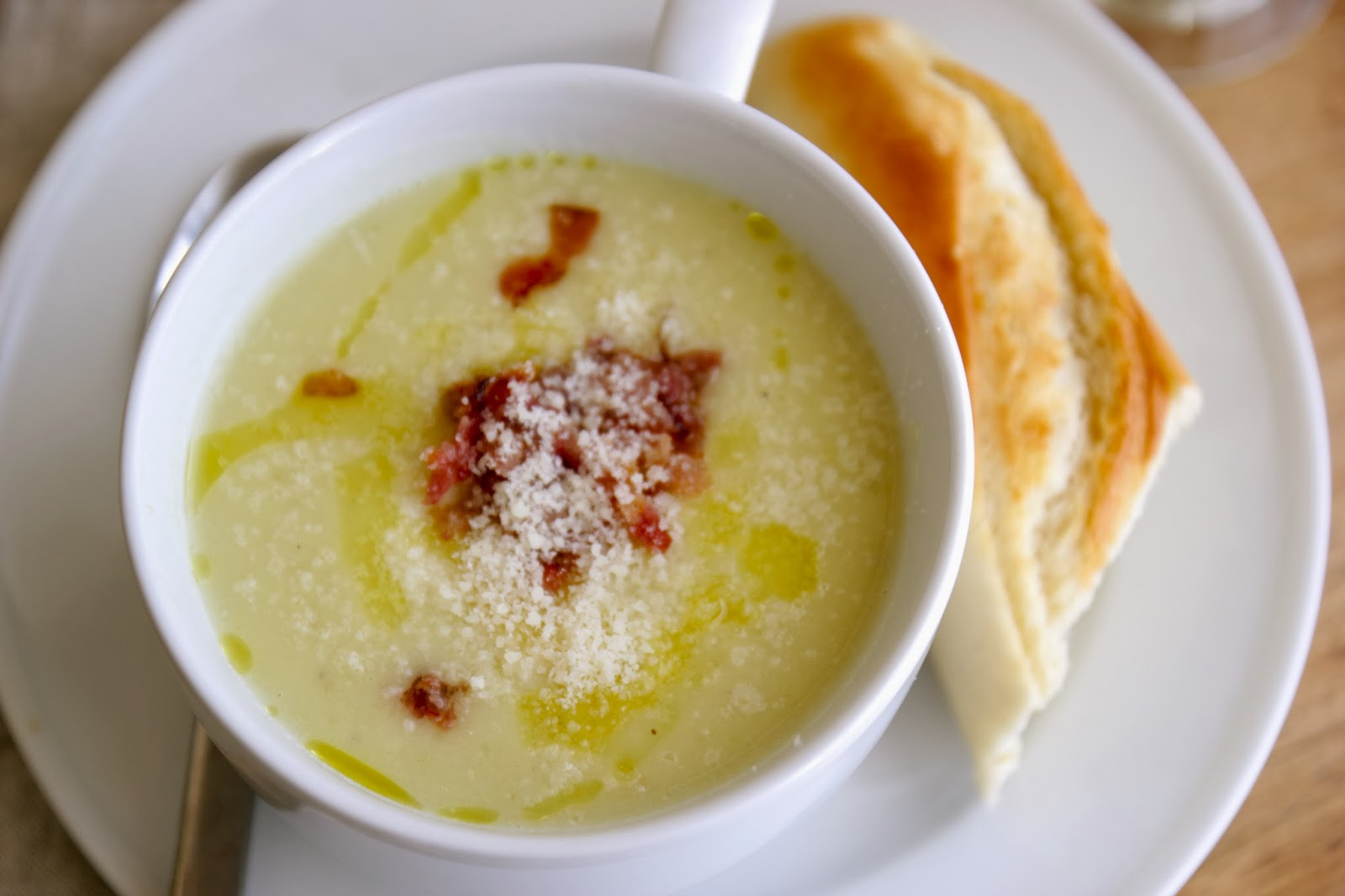 This Potato Leek Soup is the perfect warm, comforting soup for holiday ...