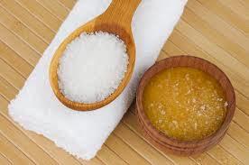 hỗn hợp tẩy tế bào chết vói Mật Ong và Muối