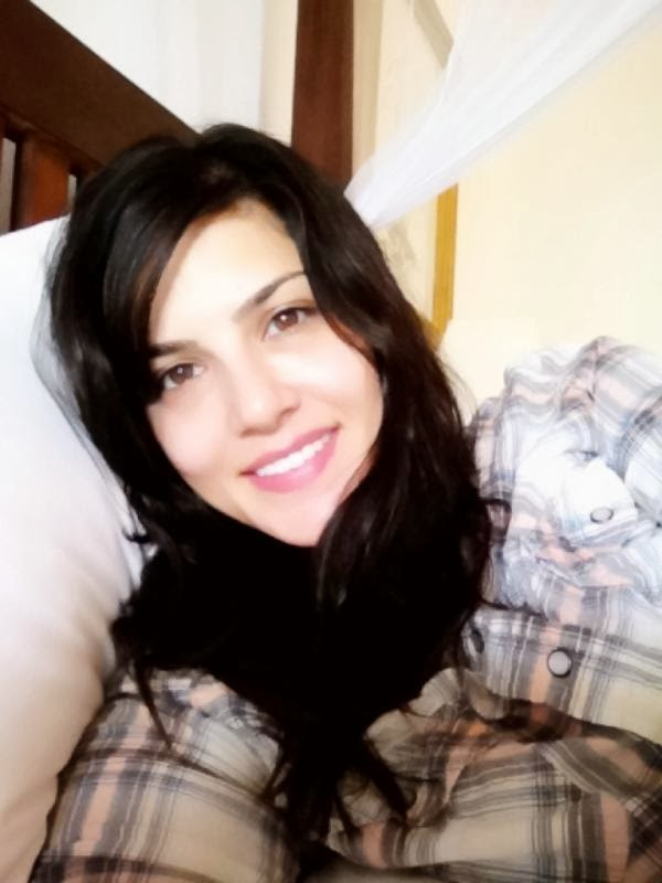 leone without makeup see how is looking sunny leone without makeup ...