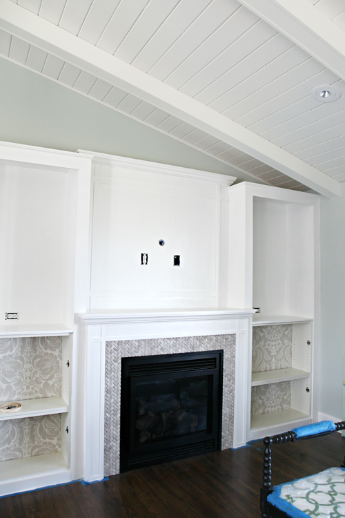 Diy Fireplace Built In Tutorial Iheart Organizing Bloglovin