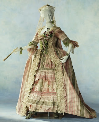 How many tradespeople did it take to dress an eighteenth-century lady?