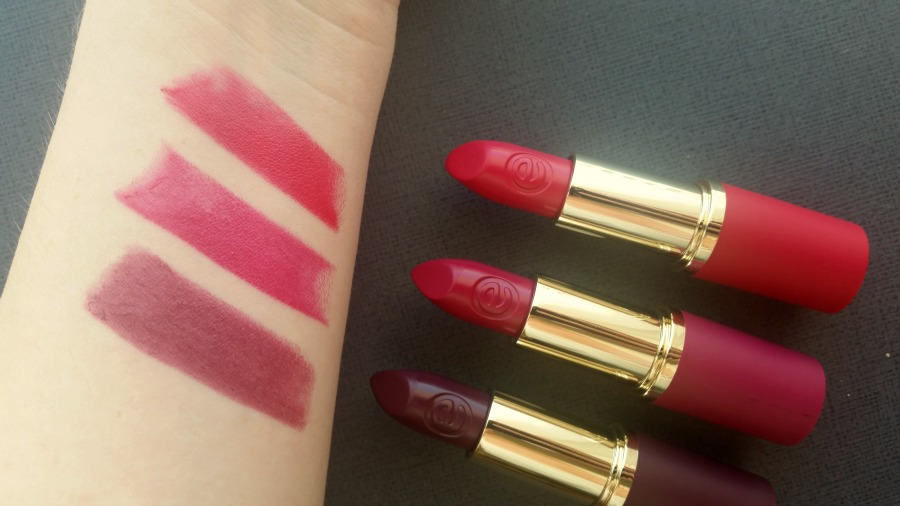 essence merry berry trend edition lipsticks swatches