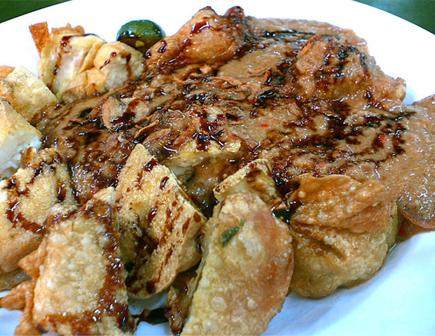 Wisata Kuliner Bandung batagor riri