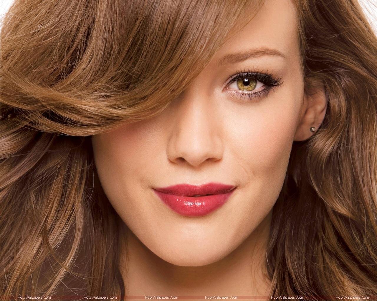http://1.bp.blogspot.com/-kr4db-8LDTs/TmT0qSUpq6I/AAAAAAAAKVg/nPCLBmnq-aI/s1600/Hilary_Duff-hd-wallpaper.jpg