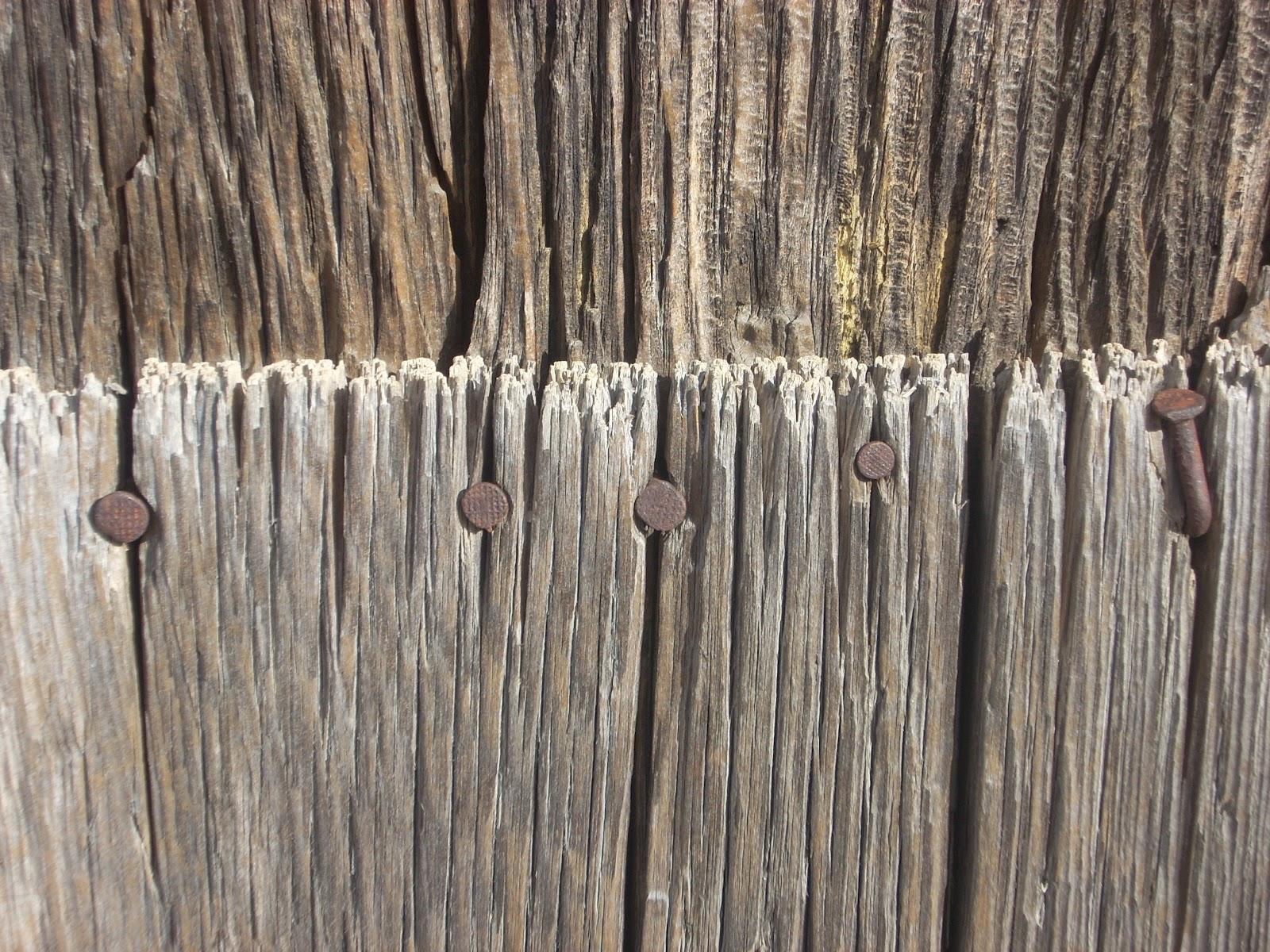 Puertas antiguas hechas en varios pueblos fotos de for Mesas hechas con puertas antiguas