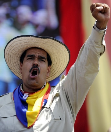 Nicolás Maduro con sombrero de paja