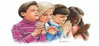0012_jovenes-orando