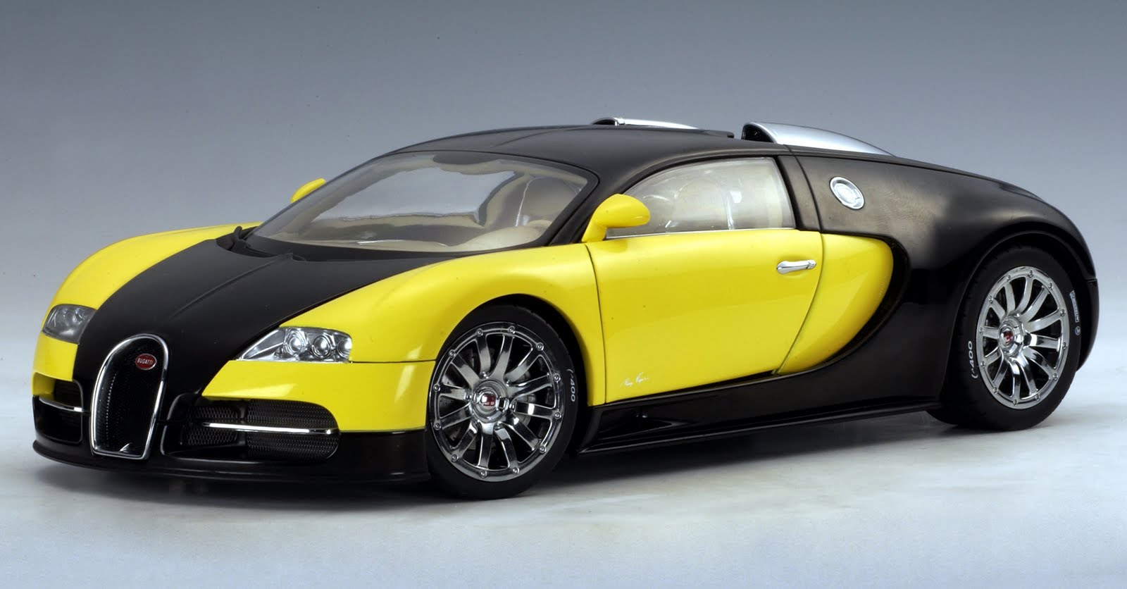 Colorful Bugatti Veyron Interior And Exterior Wallpapers Latest Celebrity Fashion