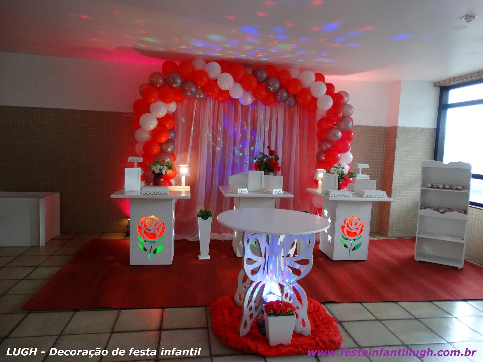 Tema de rosas para festa de aniversário
