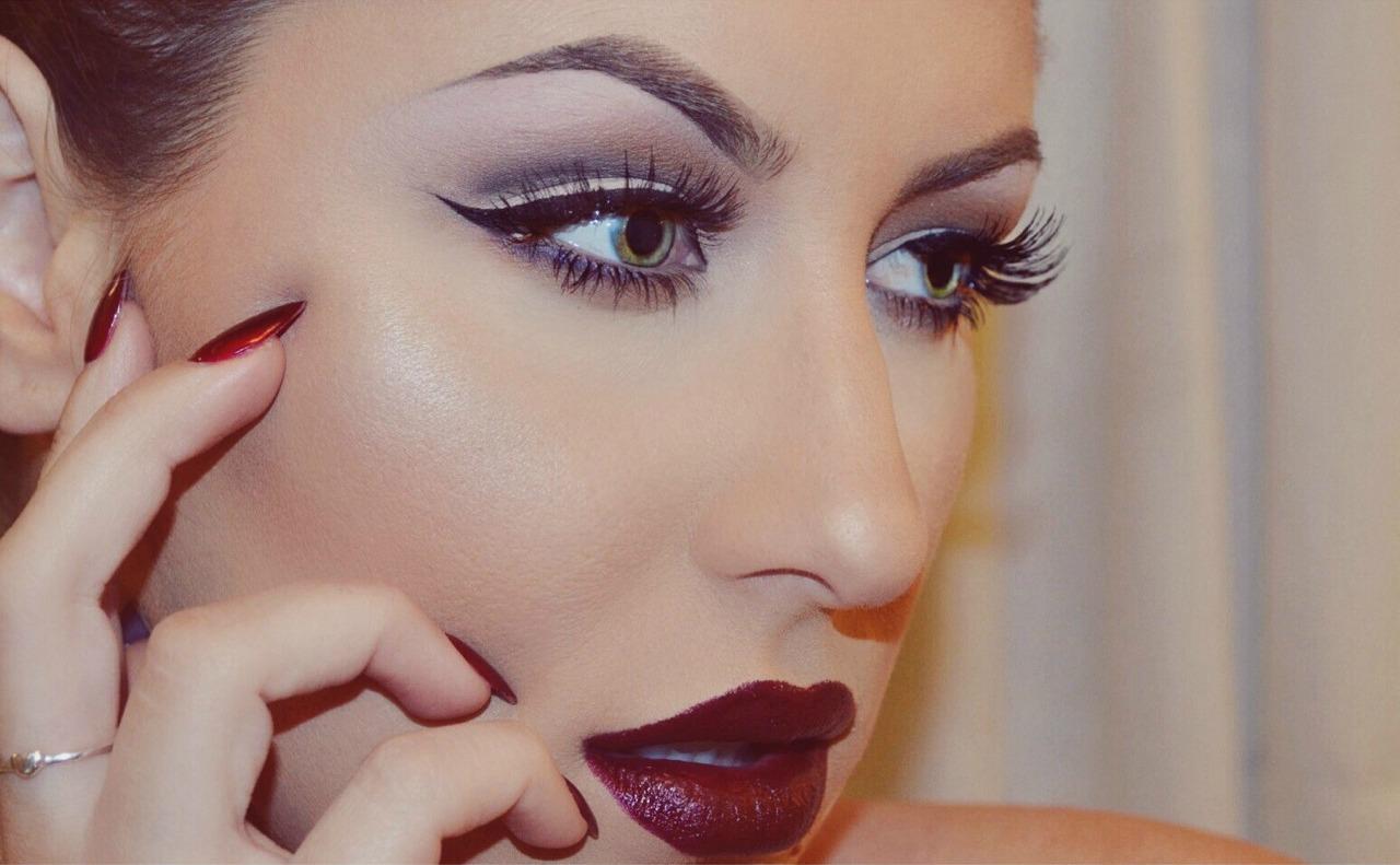 Как сделать красивый макияж для девушки