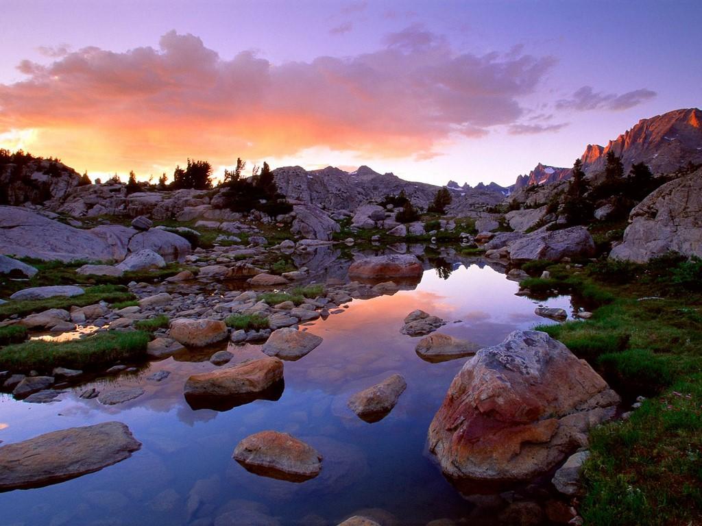 http://1.bp.blogspot.com/-ksZsIPhu_3I/TzLmPPA1r5I/AAAAAAAAHVc/ct-K0nyPKCo/s1600/Wind_River_Range,_Rocky_Mountains_of_Wyoming.jpg