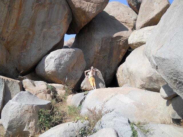Завал гигантских камней в Хампи