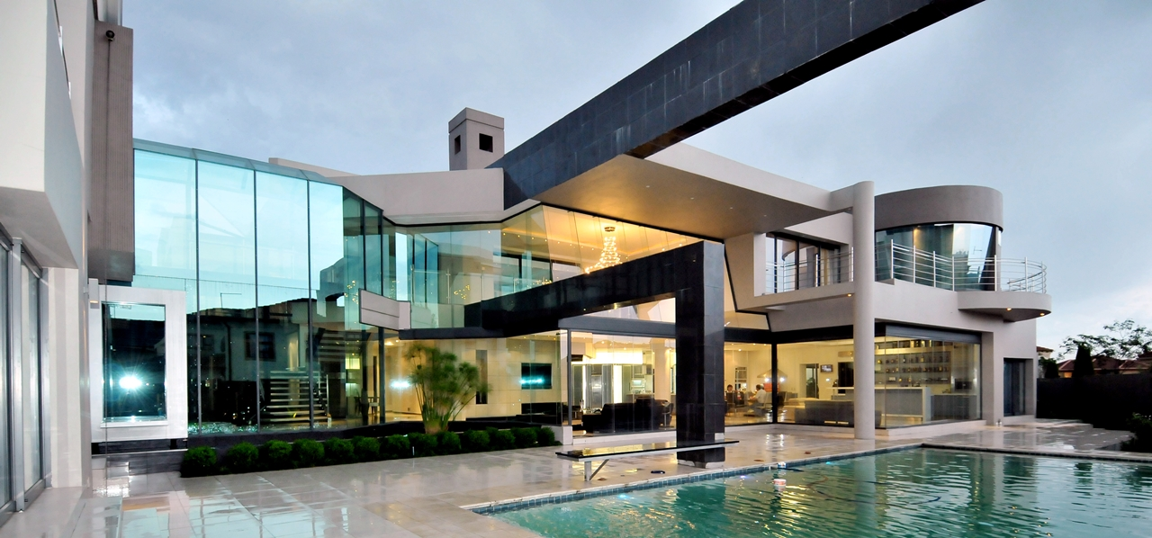 modern home terrace and swimming pool - Huge Modern Houses