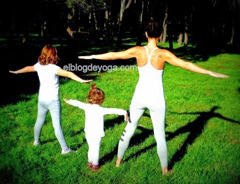 http://www.elblogdeyoga.com/2015/01/los-5-mejores-blogs-de-yoga-de-2014.html