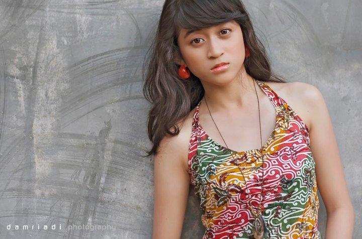 Foto-Foto Dewi Persik Waktu Masih ABG WAJIB LIAT.