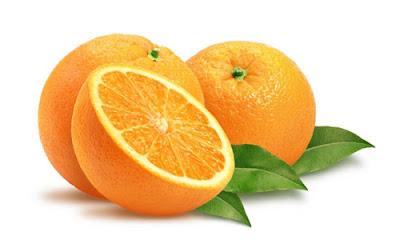 Dos naranjas enteras y una mitad