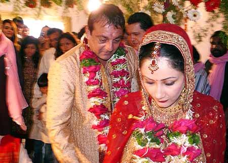 Indian Celebs Sanjay Dutt And Manyata Dutt Wedding Photo