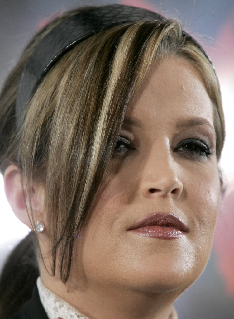 Its News 2 Them You So Crazy Alert Lisa Marie Presley