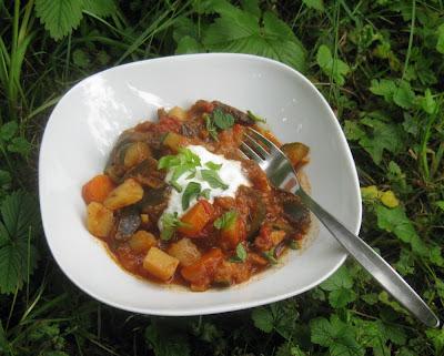 Bhaji mit Aubergine, Zucchini, Karotten und Kartoffeln