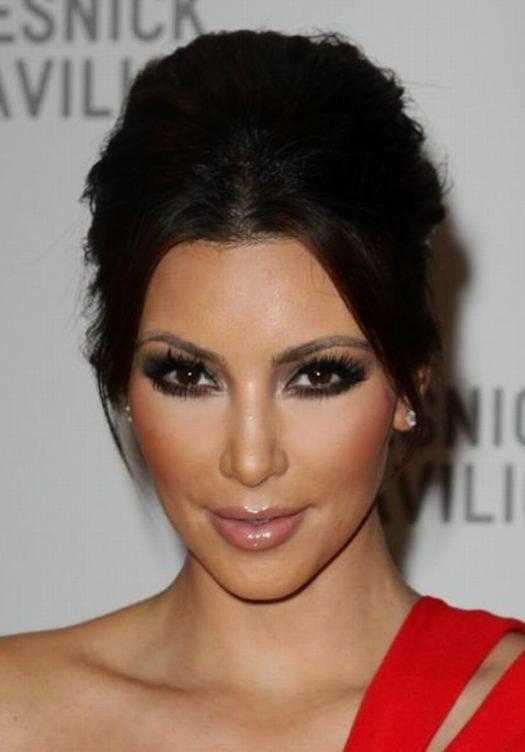 Kim Kardashian Beauty And Style 3 Gorgeous Kim Kardashians Updo