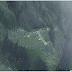 Landasan Kapal Terbang Paling Bahaya Di Dunia Di Bina Di Lereng Gunung