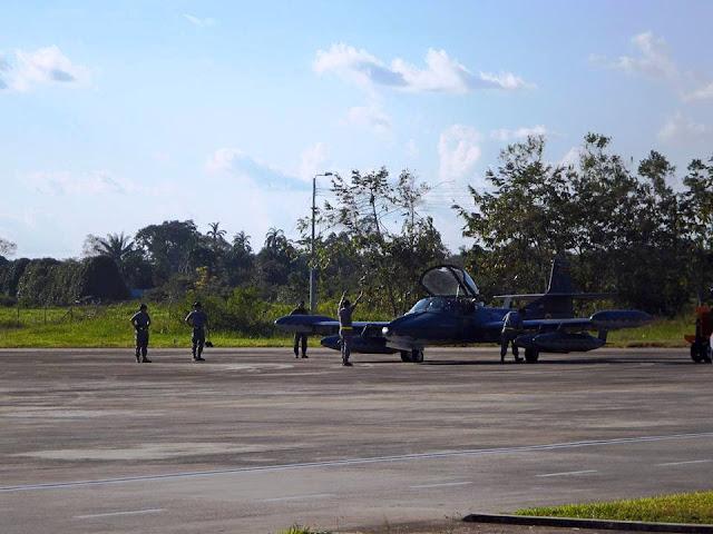 Aviones A-37B Dragonfly y SR-560 Horus de la Fuerza Aérea Colombiana entrenan en el amazonas con la Fuerza Aérea del Brasil con el proposito de perfeccionar las técnicas binacionales para combatir el narcotráfico.