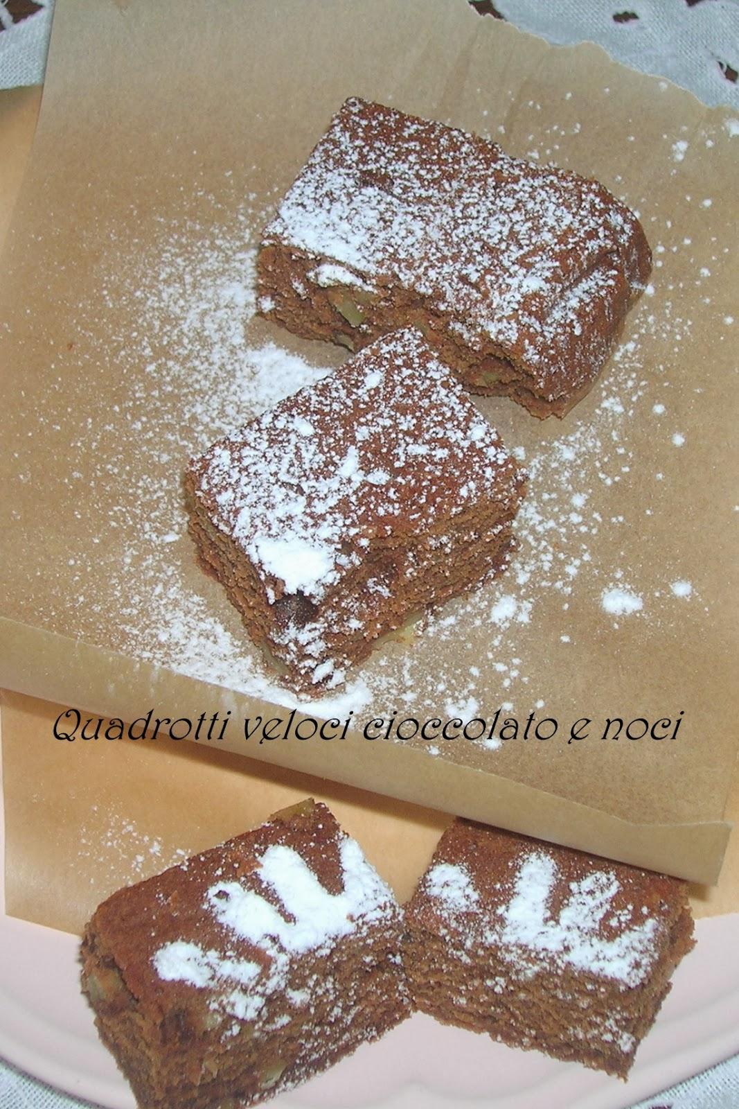 i quadrotti veloci al cioccolato e alle noci e facciamo finta!