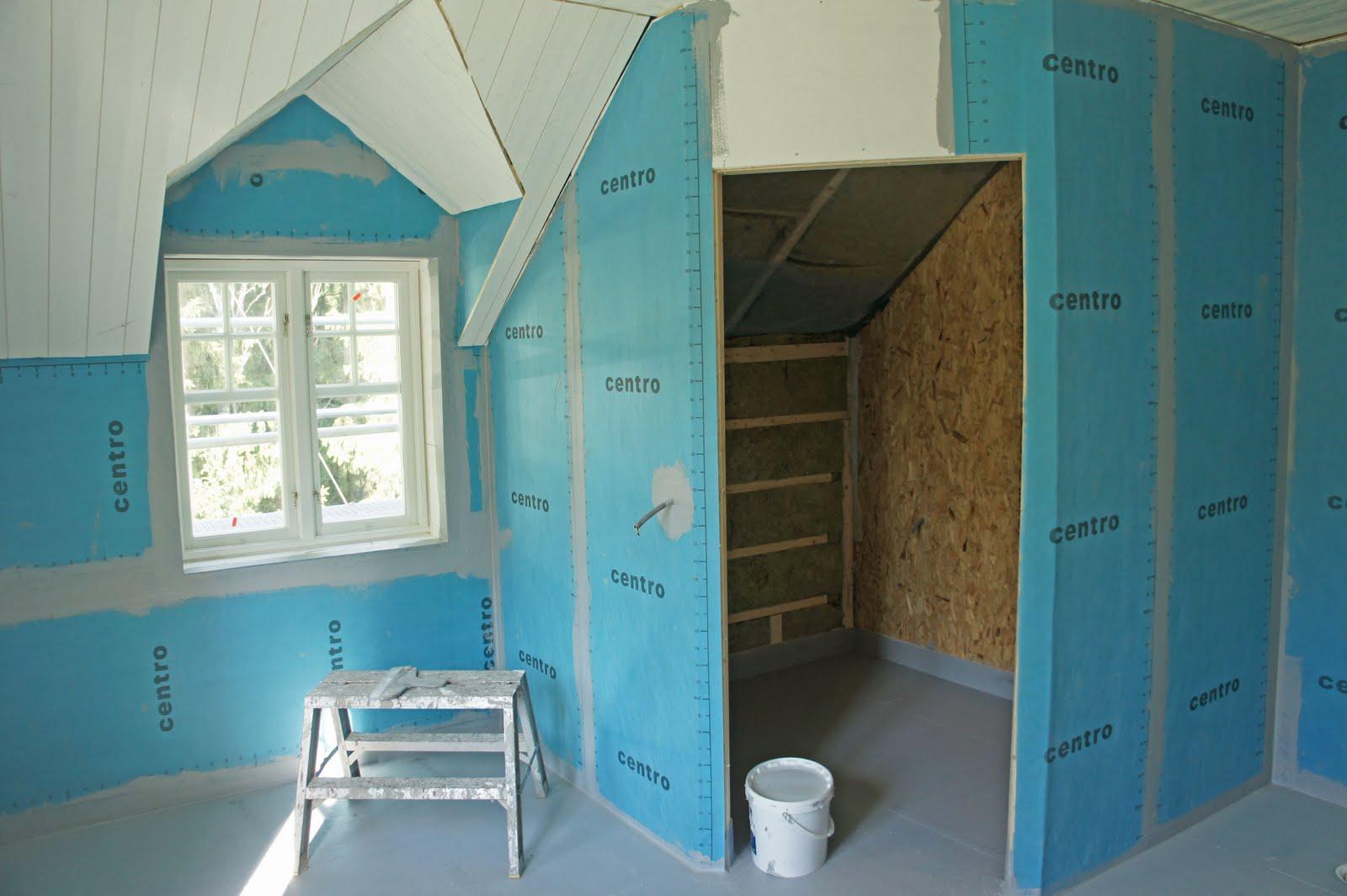 Sidenhuset: Stora badrummet med tätskikt - innan kakling