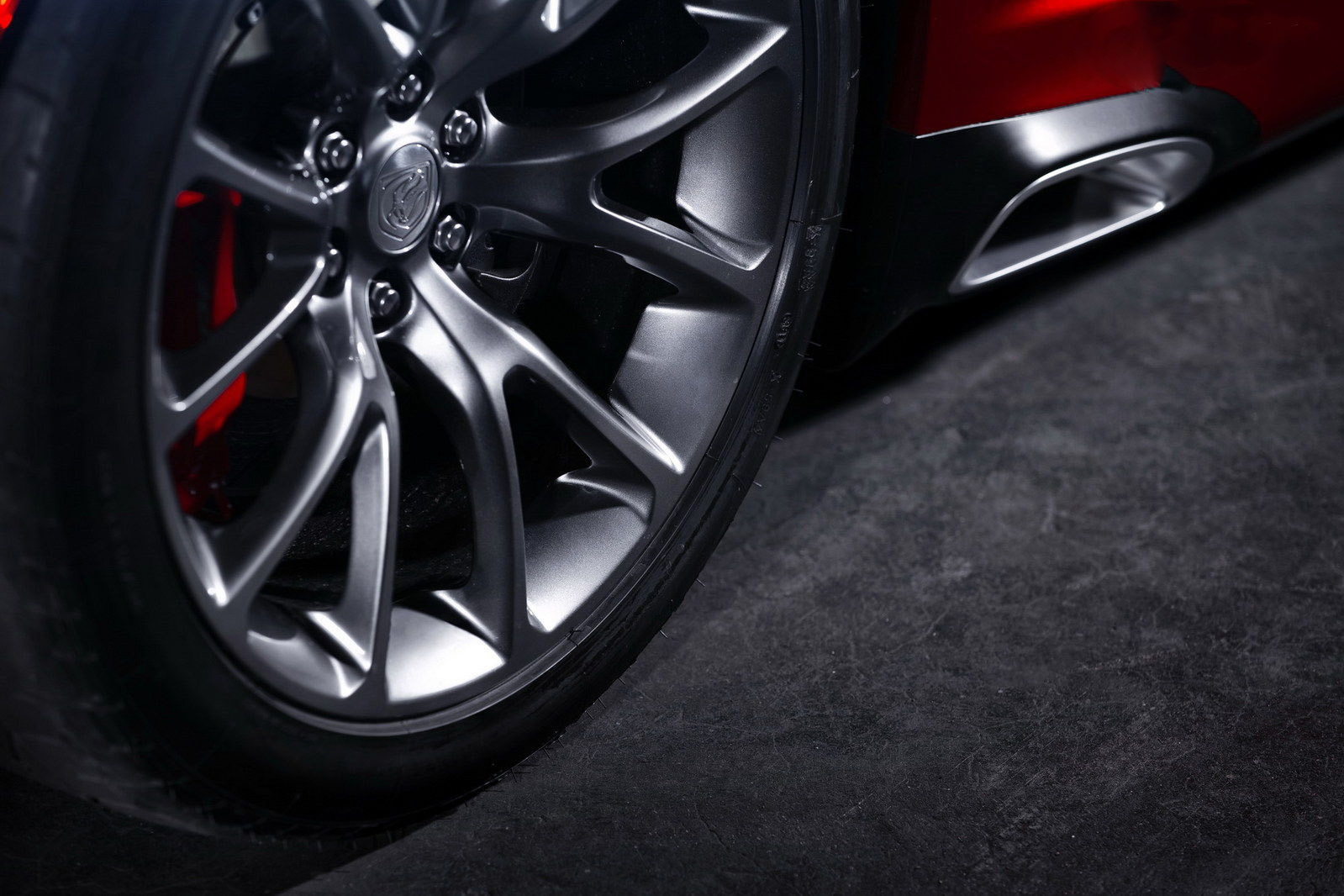 car i 2013 SRT Viper GTS submetido a testes Extremos