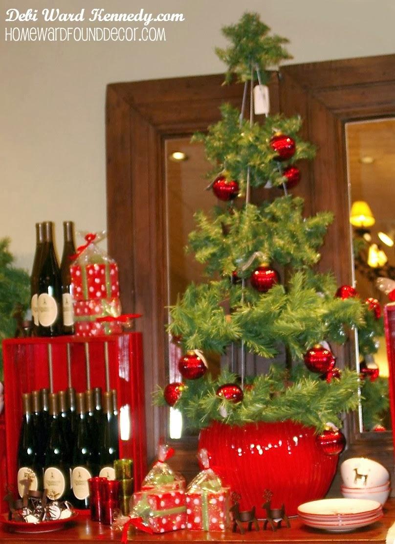 Christmas tree ornament display -  Fast Cheap Easy Display Treesdebi Ward Kennedy Design Blog