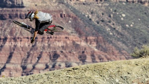 DirtTV Beyond The Bike Ep6: Kelly McGarry