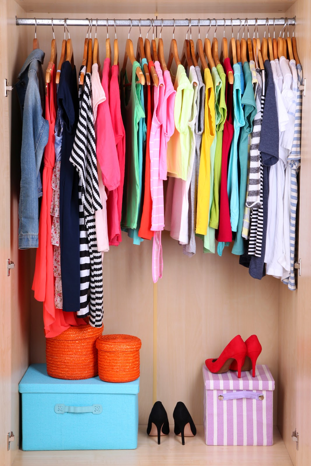 Tips for organizing your closets for spring!  |  mynameissnickderdoodle.com