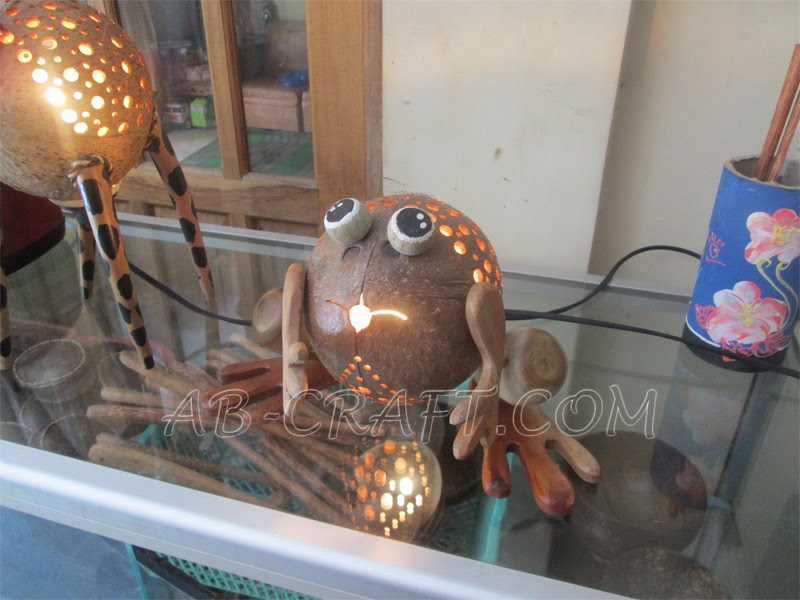 handicraft, coconut craft frog lamp_www.ab-craft.com
