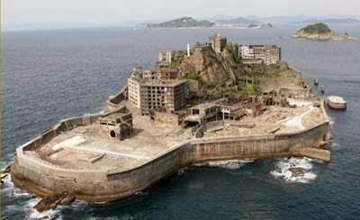 http://gubuk-fakta.blogspot.com/2013/12/tempat-tempat-terseram-di-dunia.html